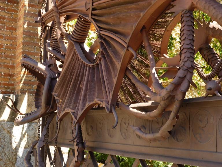 The dragon gate of Güell Pavilions © Oh-Barcelona.com