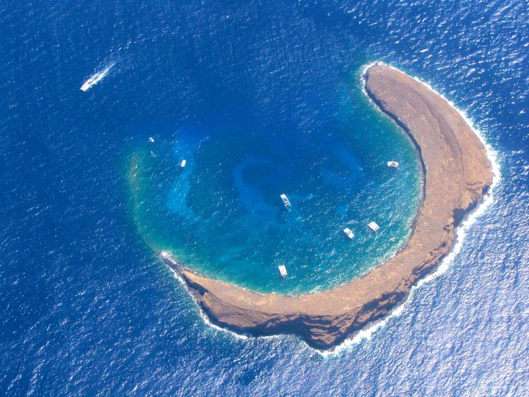 Molokini Crater from above  | © Kim Starr / Flickr