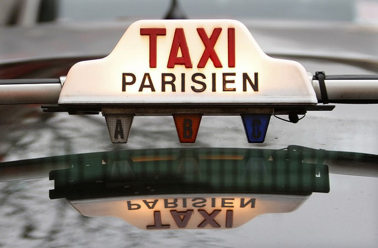 Women supporting women with a new Parisian taxi service