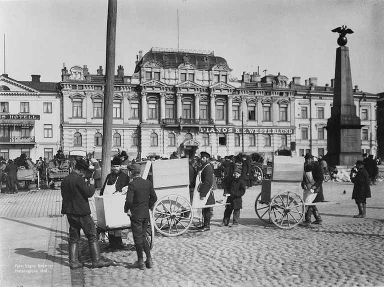 Helsinki market square, 1907