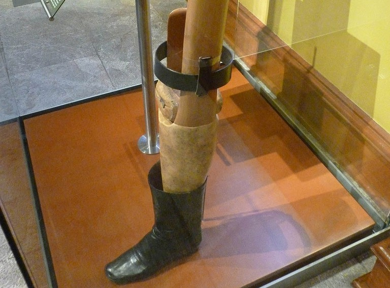 Santa Anna's prosthetic leg