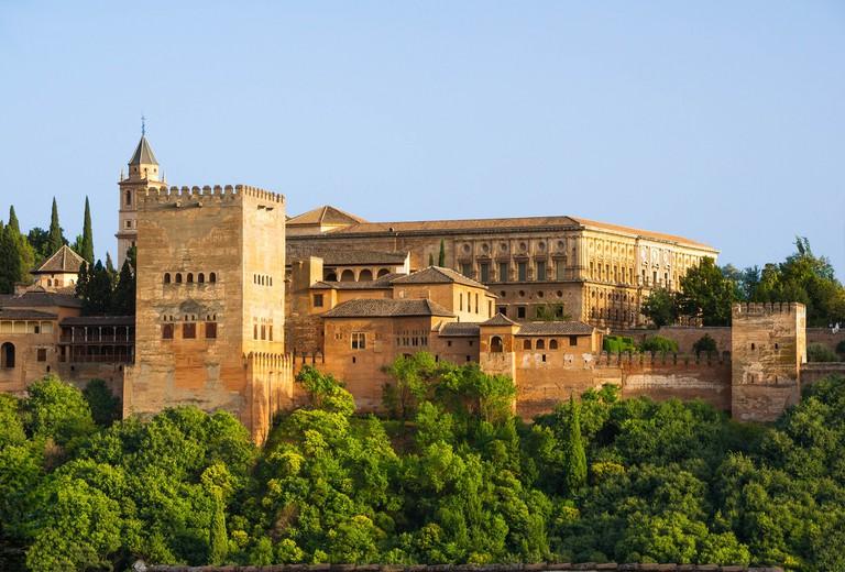 Granada's mighty Alhambra fortress; WikimediaImages, pixabay