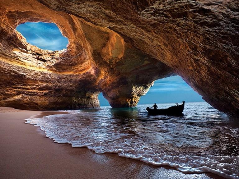 https://commons.wikimedia.org/wiki/File:Benagil_Cave,_July_2012.jpg