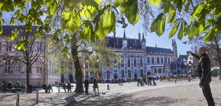 Burg Square, with the inconspicuous Basilica of the Holy Blood in the right corner   © Jan D'Hondt / courtesy of Visit Bruges