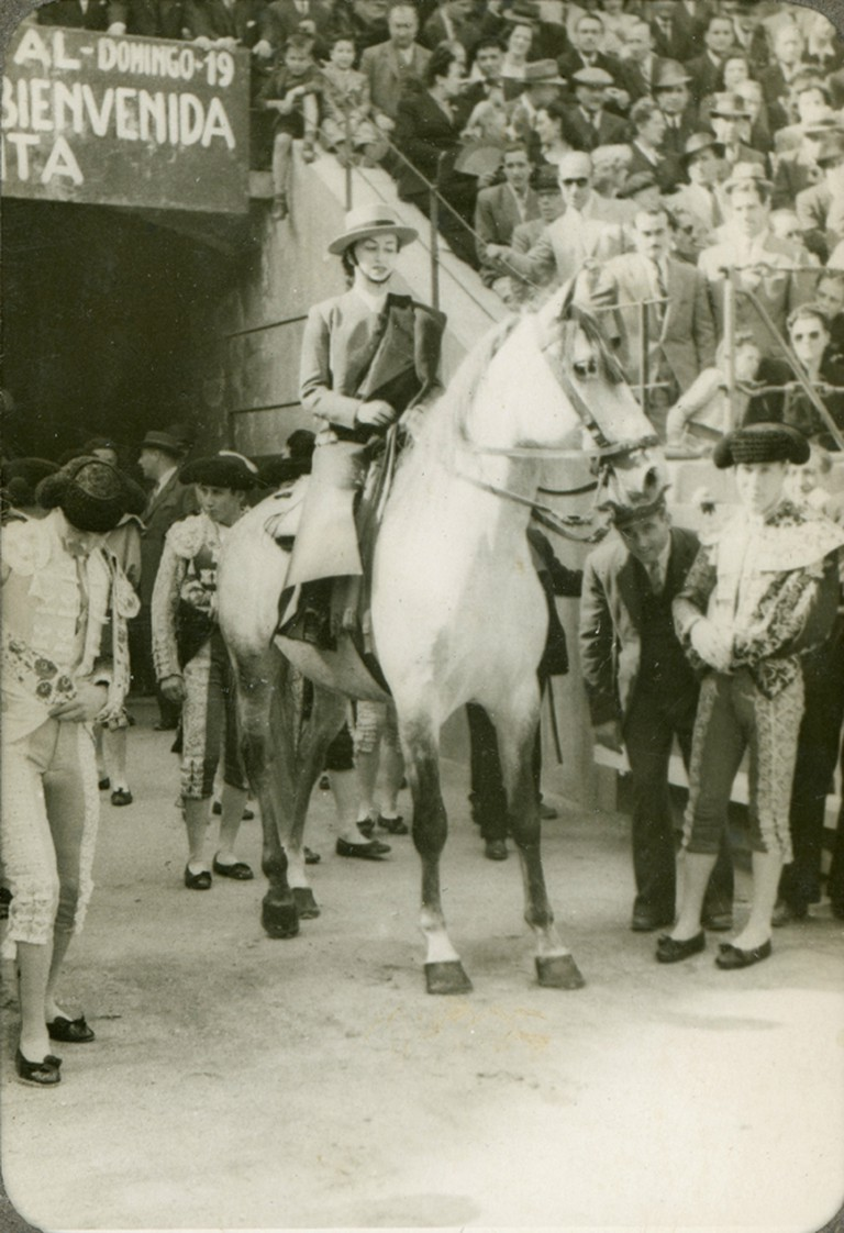 Conchita Cintrón, one of the first female bullfighters to become famous