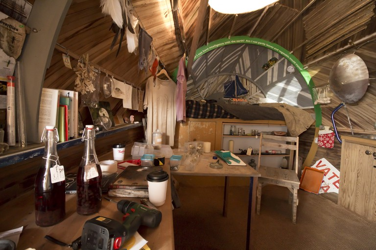Interior of Stephen Turner's Exbury Egg | © Stephen Turner
