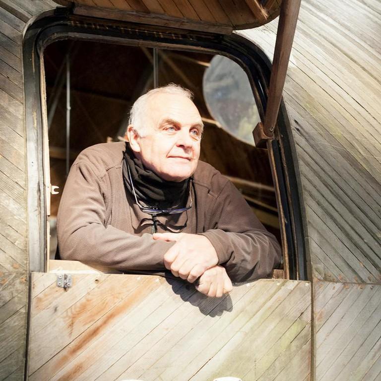 Stephen Turner in the Exbury Egg | © Stephanie Rose Wood