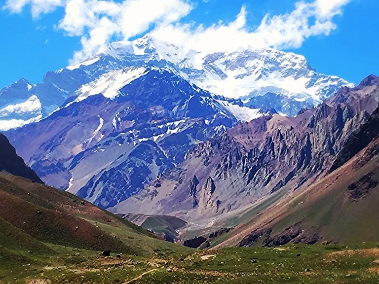 The valley leading to Cerro Aconcagua
