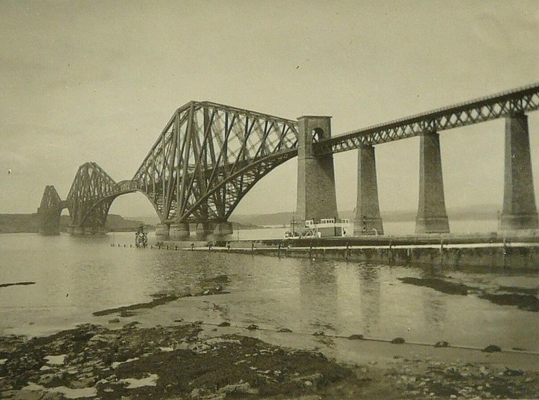 Forth Bridge | © George Baker/Flickr