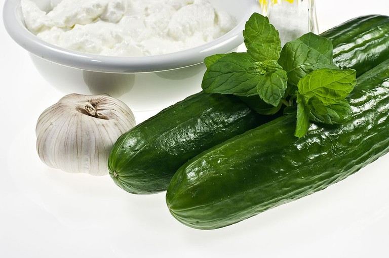 Ingredients for tzatziki: Greek yoghurt, cucumbers and garlic