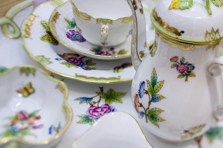 Hered porcelain
