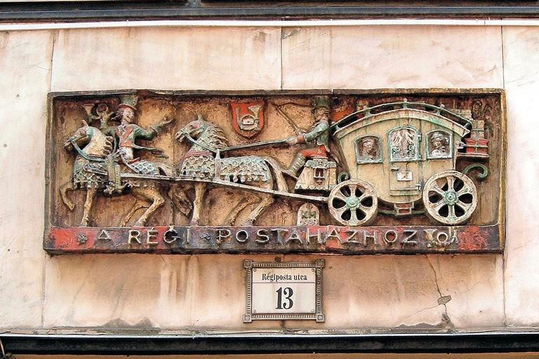 Ceramics by Margit Kovács, Régiposta street