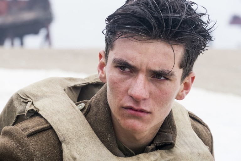 Fionn Whitehead in 'Dunkirk' | © Warner Bros.