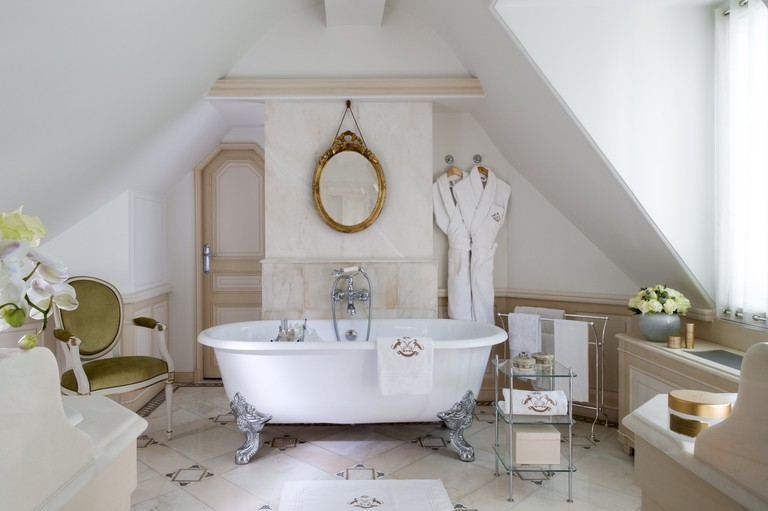 Le Meurice Suite 628 bathroom