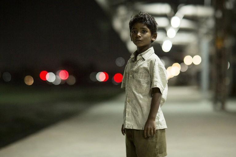 Sunny Pawar plays a young Saroo Brierley
