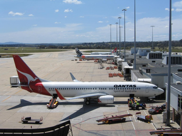 Melbourne Airport T1 with Qantas and Jetstar jets