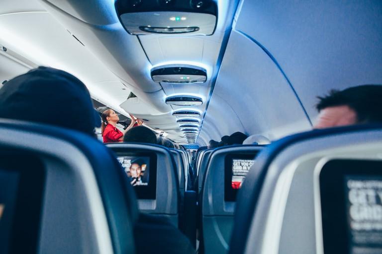 Airplane | © Omar Prestwich/Unsplash