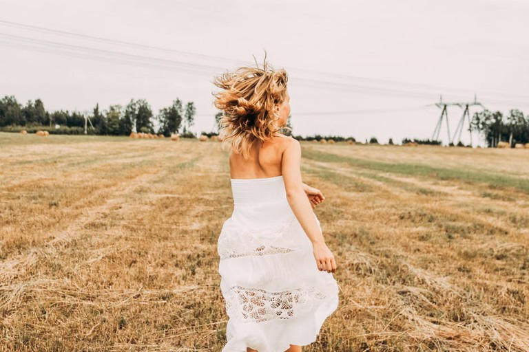 White dress l