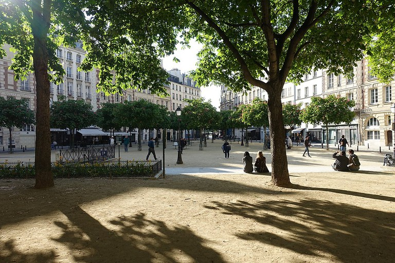 Place Dauphine │© Guilhem Vellut / Wikimedia Commons