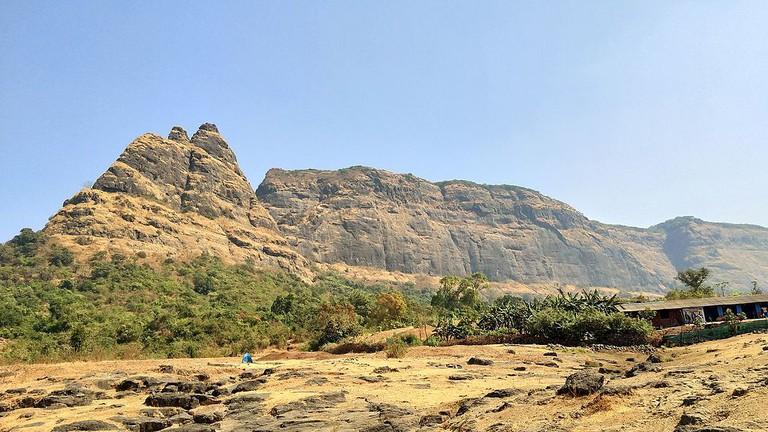 Kalavantin Fort and Prabalgad Fort | © Niteshsavane143 / Wikimedia Commons