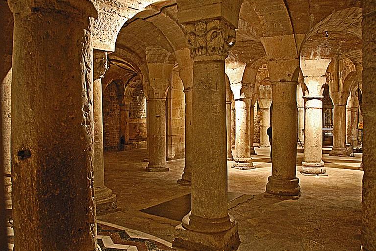 The eerie crypt of Saint Benigne | © Jochen Jahnke / Wikimedia