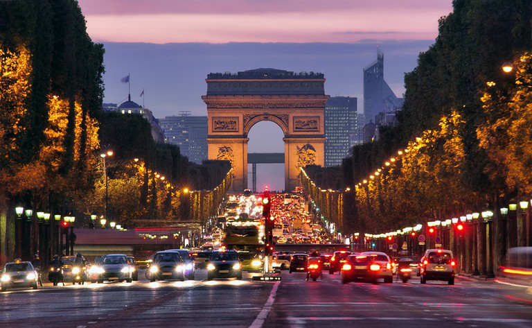 The Champs-Elysees at night | © Loan Panaite/Shutterstock
