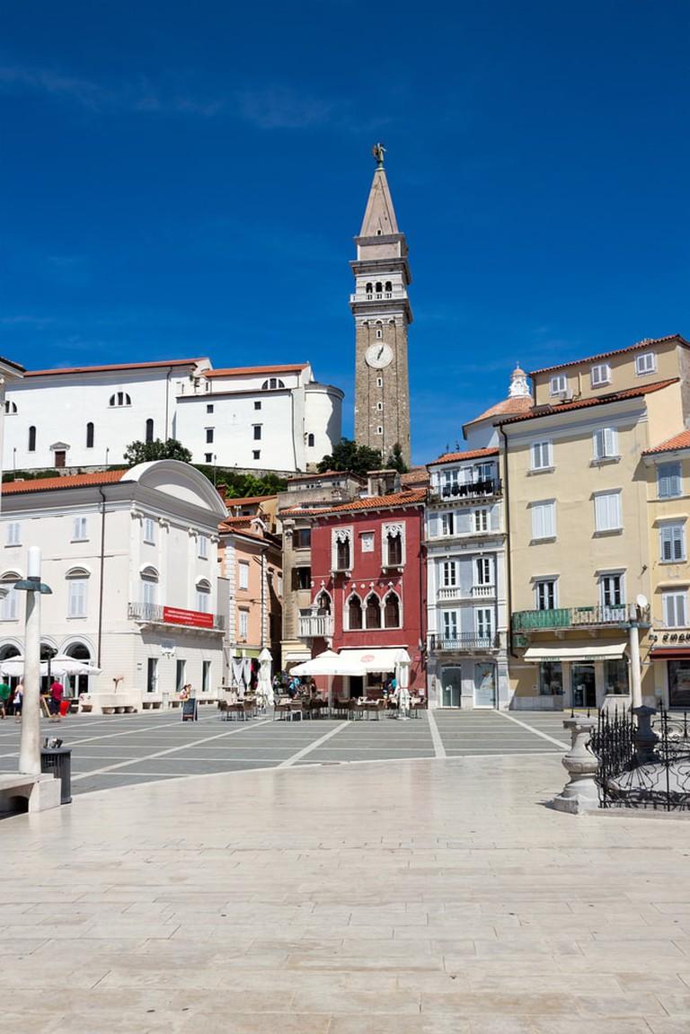 Tartini Square, the largest square in Piran, Slovenia | © baldovina/Shutterstock