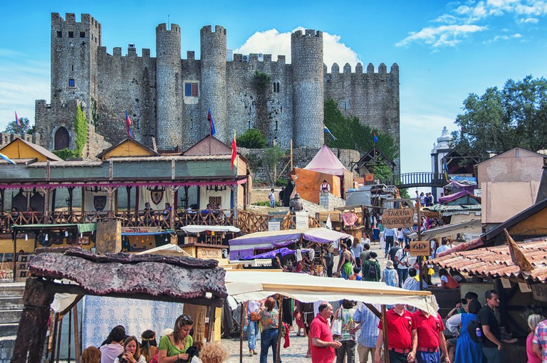 Pretend that you traveled through time at the Óbidos Medieval Festival