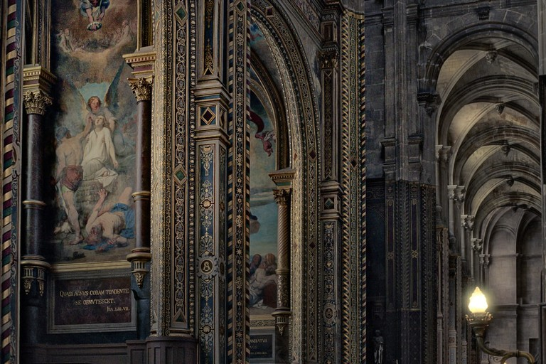 Interior of Notre-Dame Cathedral | © Nevskii Dmitrii/Shutterstock