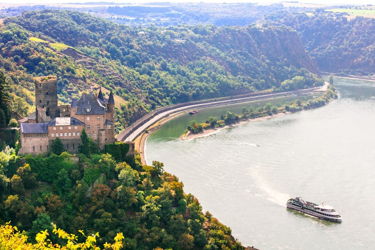 The romantic Rhine valley with Katz castle