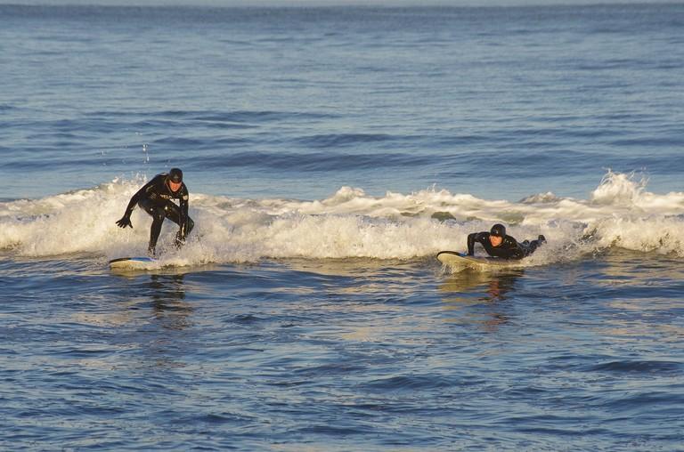 https://pixabay.com/es/el-pac%C3%ADfico-onda-surf-espuma-mar-2591899/
