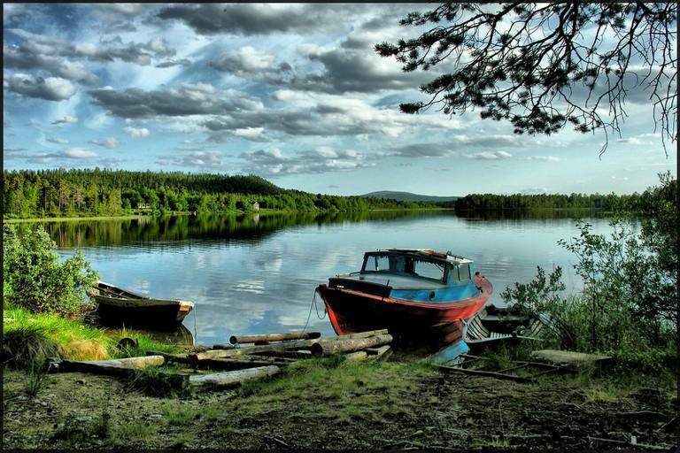 Lake near Kaamanen / Petr Kraumann / WikiCommons