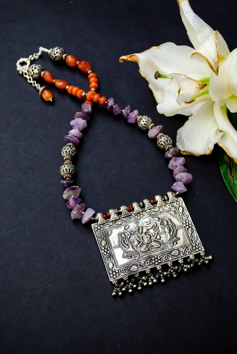 Aaraa sells exclusive silver handcrafted jewelry