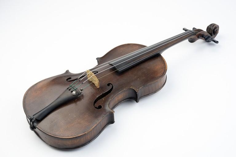 19th-century violin with fake Stradivarius label   Image courtesy of Winterthur Museum