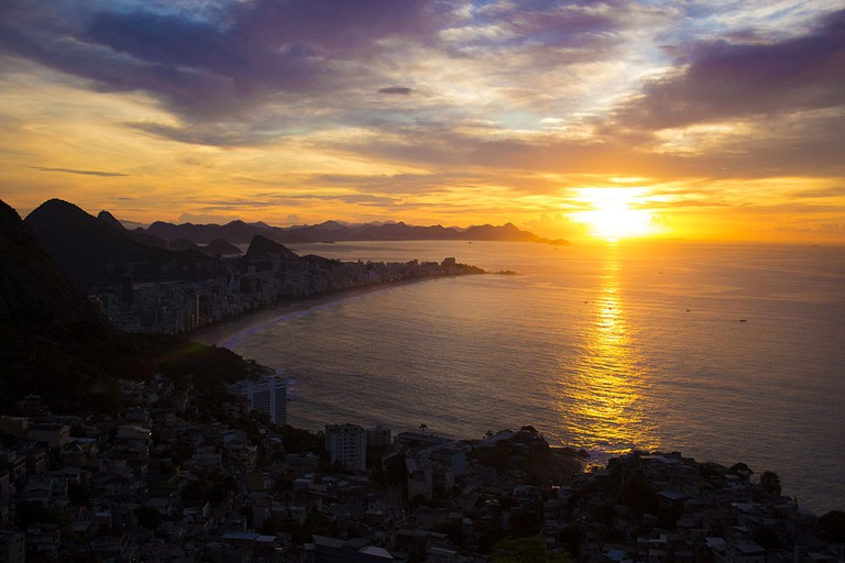 The sunrise from the top of Vidigal  © 3lysiumm/WikiCommons