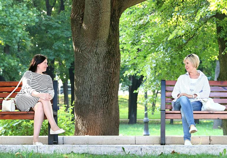 A conversation between strangers