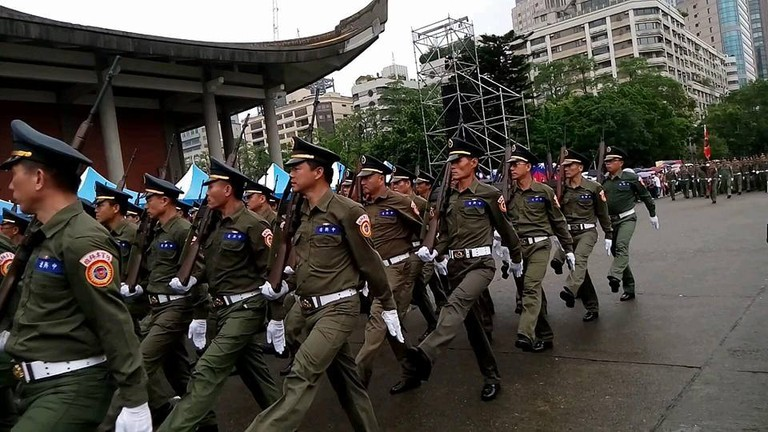 Soldiers on their way to parade