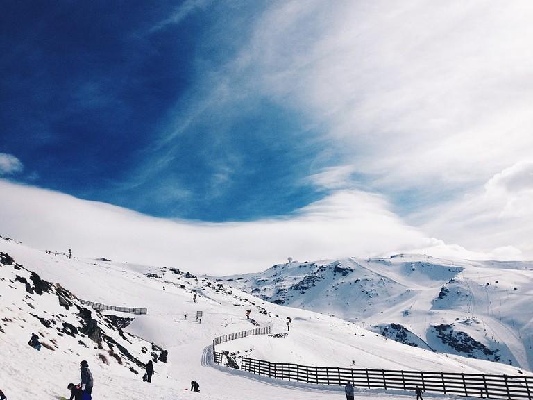 Skiing in the Sierra Nevada, Spain | ©Melissa Ramirez / Wikimedia Commons
