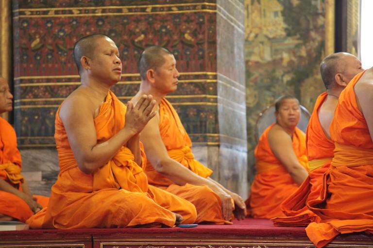 Khun Phaen and Wanthong were reunited at the temple