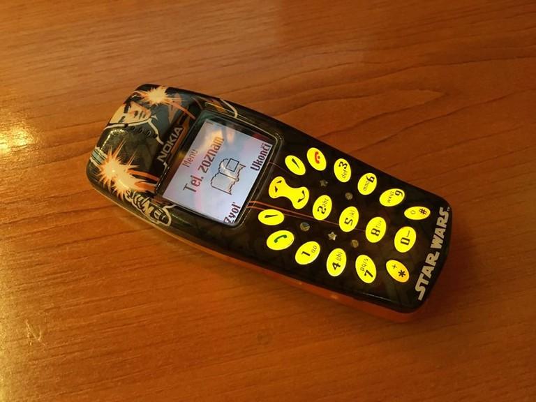 Polgari really likes this old Star Wars phone!