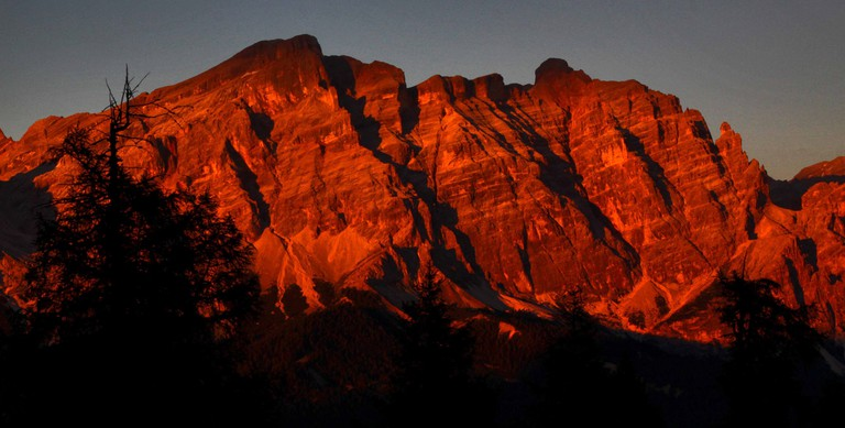 Sunset at the Dolomite mountain range   © Guillaume Baviere/Flickr
