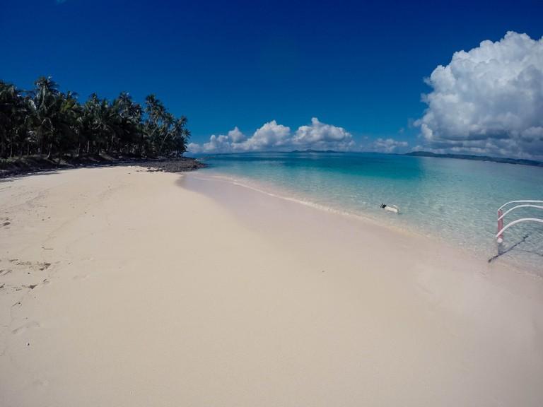 Beautiful beach, Sairgao