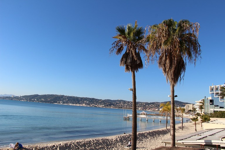 The beach at Juans-les-Pins in December
