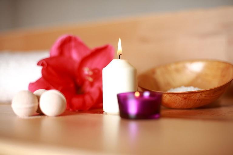 Decoration at a spa   © Hamza Butt / Flickr