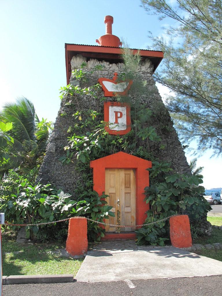 Tomb of Pomare V, Tahiti