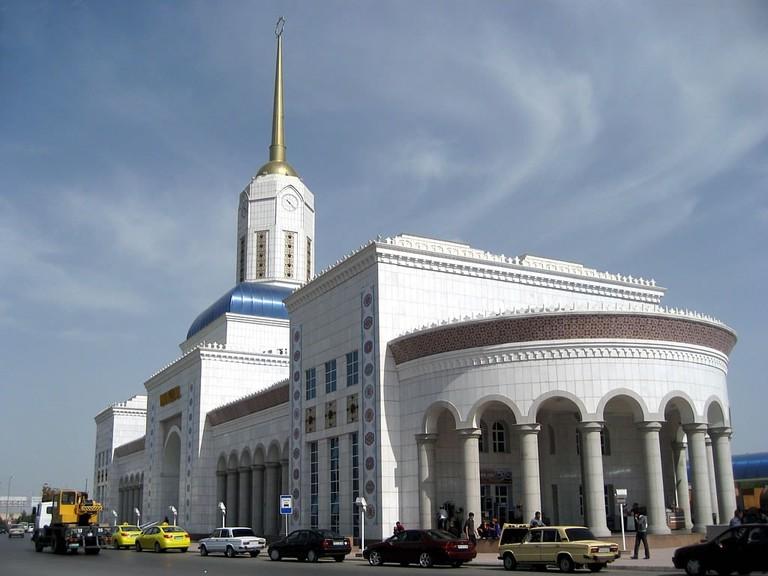 Ashgabat Railway Station, Turkmenistan   © David Stanley/Flickr