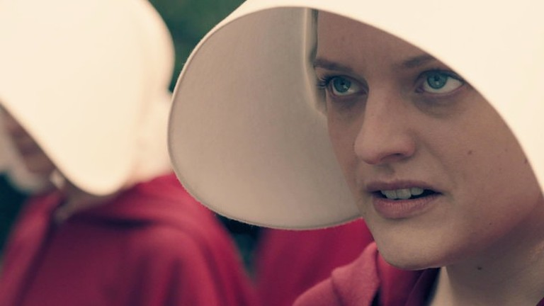 Elisabeth Moss in 'The Handmaid's Tale' | © Hulu