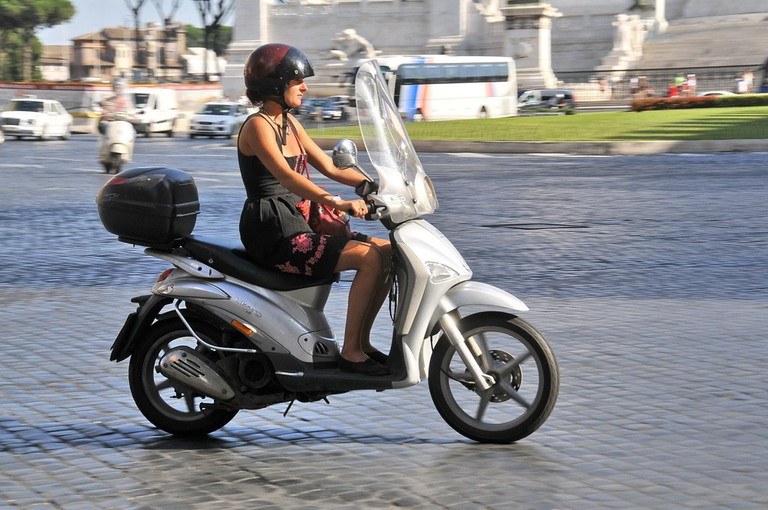 The optimal mode of transport for Rome | © FaceMePLS/Flickr