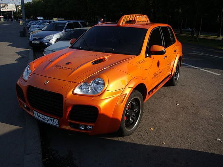 Porsche Cayenne taxi, Moscow