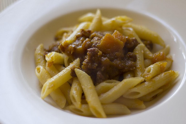 Penne with Sausage and Pumpkin Ragú | © Luca Nebuloni/Flickr